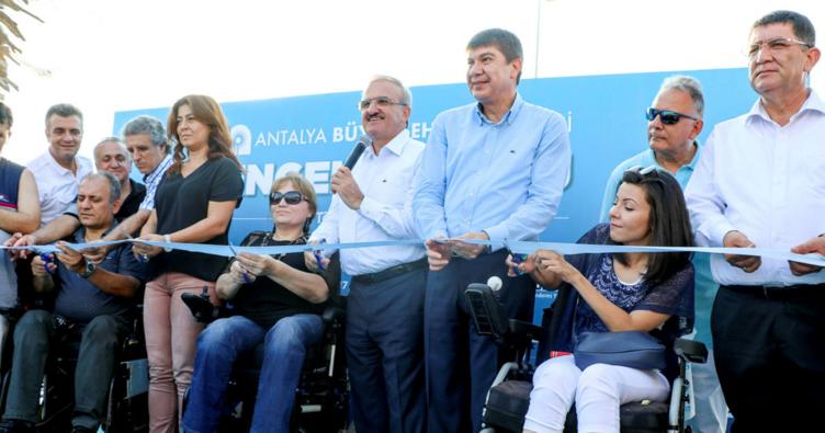 Antalya'da Engelsiz Plaj açıldı