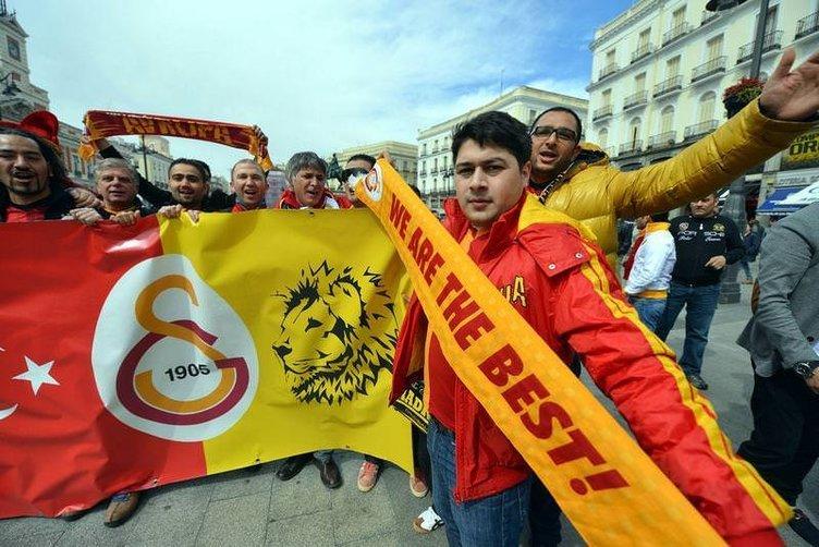 Madrid sokakları G.Saraylılarla doldu