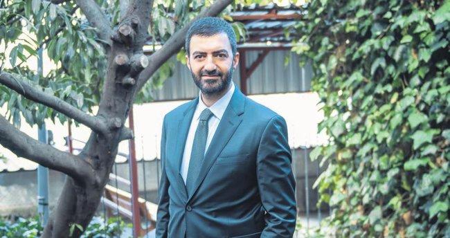 İhanet gecesine karşılık 'Erdoğan Marşı' yazdım!
