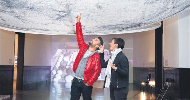 Megastar'ı büyüleyen bienal