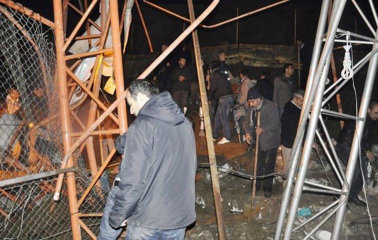 Şırnak'ta halı saha istinat duvarının çöktü