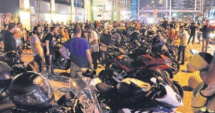 Motorculardan sessiz protesto