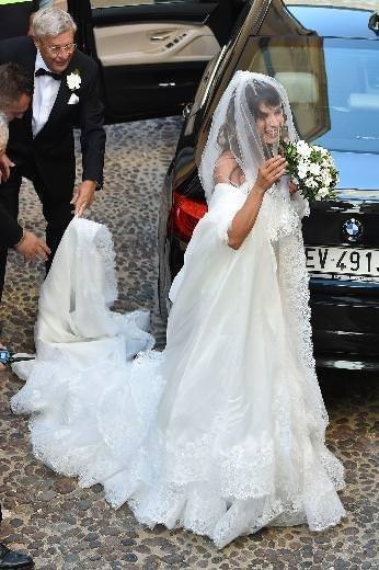 Elisabetta Canalis evlendi