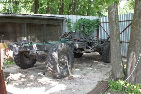 Rus mühendis hurdadan canavar yarattı