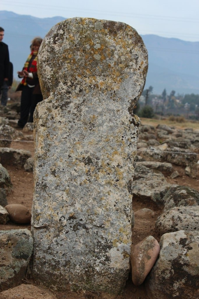 Türkmen Mezarlığı gün yüzüne çıkarılıyor