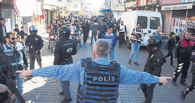 Adana polisinden güven operasyonu