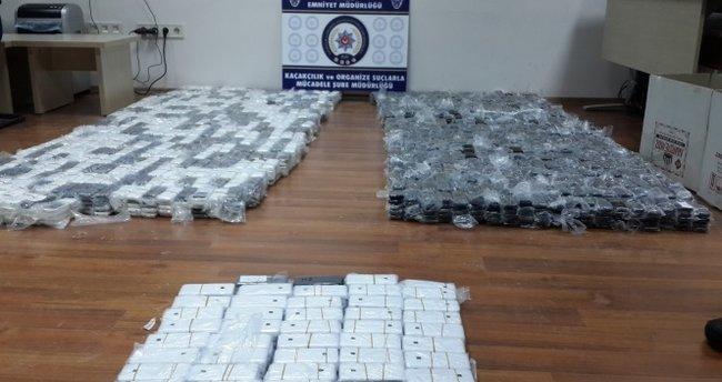 Bitlis'te bin 465 adet kaçak cep telefonu ele geçirildi