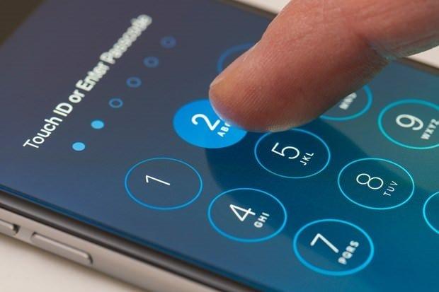 Apple'daki açığı bulana 500 bin dolar ödül!