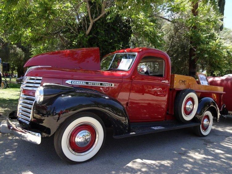 Antika araba tutkunları Amerika'da buluştu
