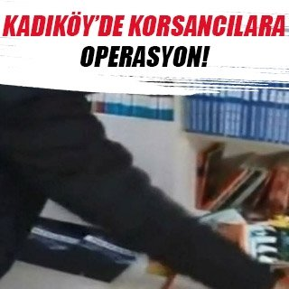 Kadıköy'de korsan kitap operasyonu kamerada