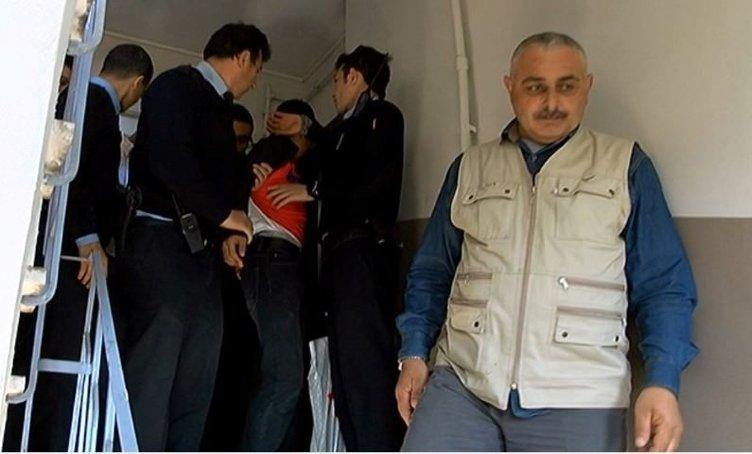 Mahalleli hırsızları binaya kilitleyip polise teslim etti