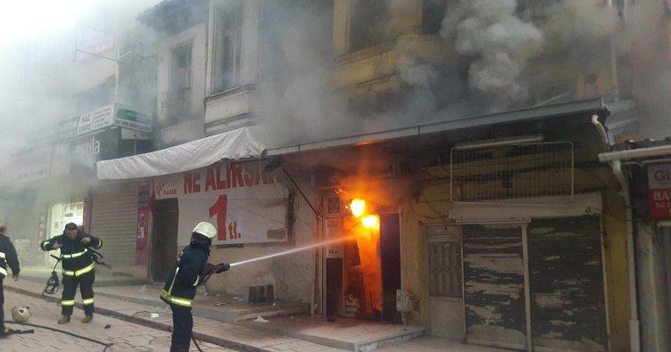 Bursa'da tarihi çarşıda yangın