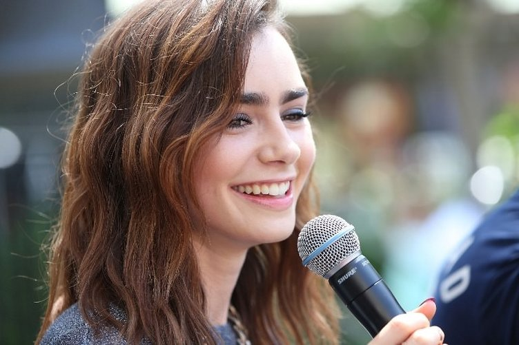 Lily Collins, 25 (Phil Collins'in kızı)
