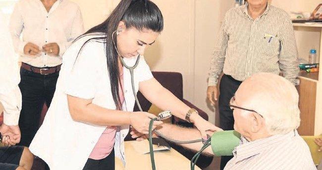 Çukurova Belediyesi'nden emeklilere sağlık taraması