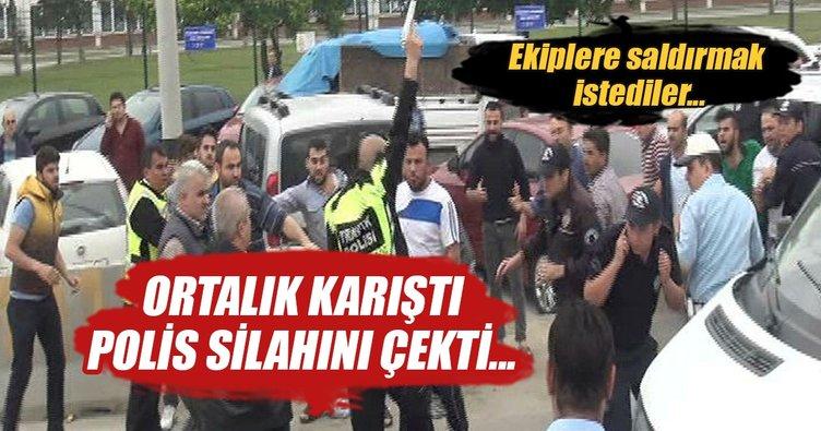 Ölümlü kazada kavgayı, polis havaya ateş ederek yatıştırdı