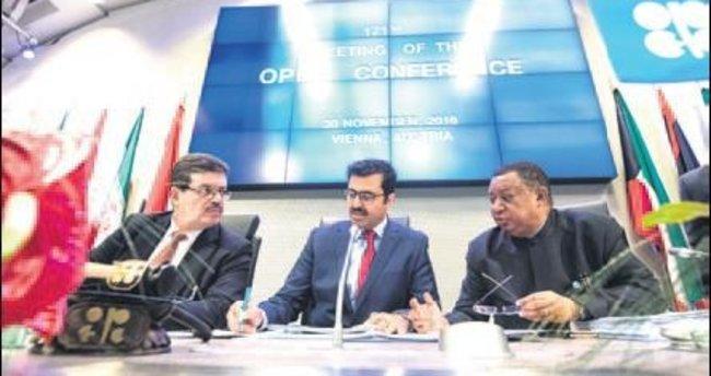 OPEC arzı 1.2 milyon kıstı, petrol 50 $'ı aştı
