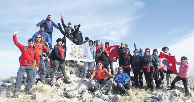 Ankara'nın dağcıları Elmadağ'da zirve yaptı