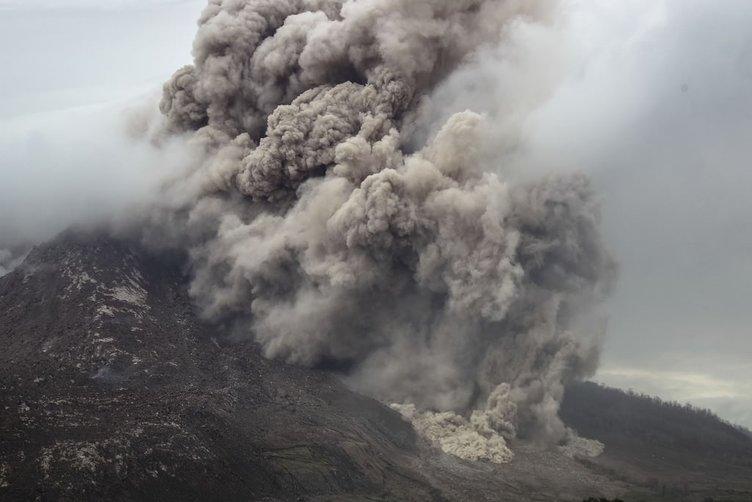 Sinabung'da patlama