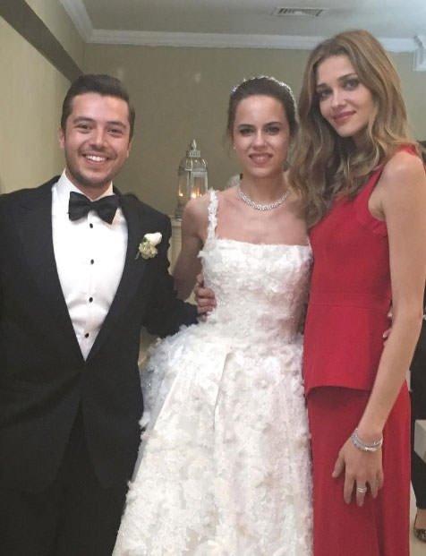 Ünlü manken düğün için Afyon'a geldi