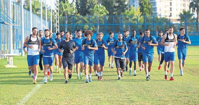 A. Demirspor'da tempo artıyor