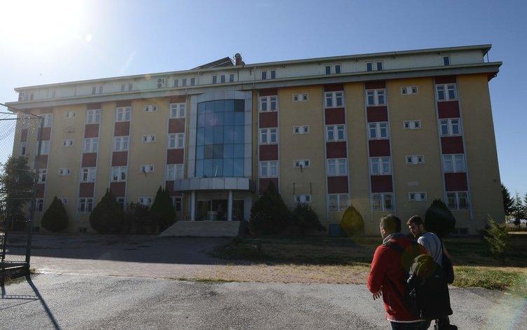 FETÖ'nün okulunda zincirli, siyah camlı gizli odalar!