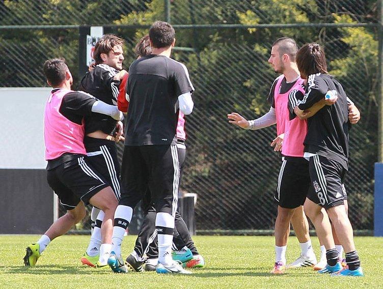 Beşiktaş idmanında Veli Kavlak ile Uğur Boral kavga etti