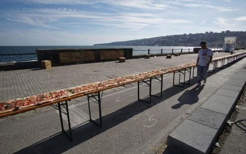 Dünyanın en uzun pizzasını yaptılar