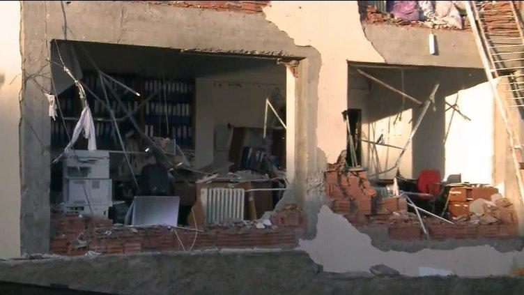 Diyarbakır'da emniyet müdürlüğüne bombalı saldırı
