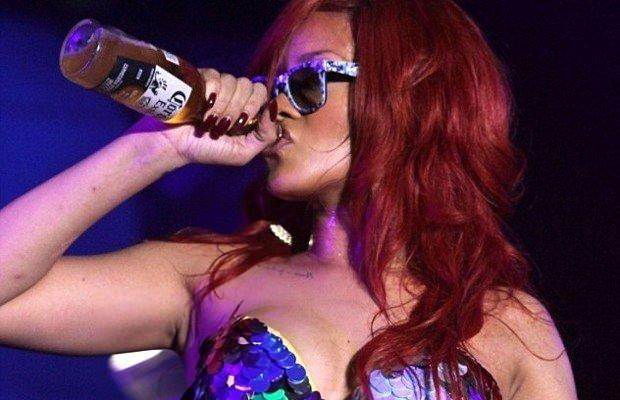 Rihanna'nın ilginç özellikleri!