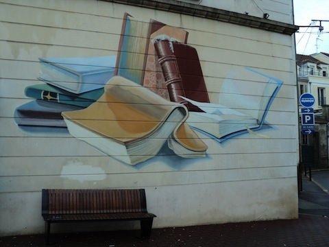Binalara işlenmiş kitaplar