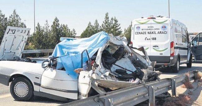 Düğün dönüşü feci kaza: 2 ölü, 3 yaralı