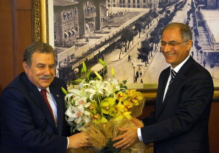 Muammer Güler görevini Efkan Ala'ya devretti