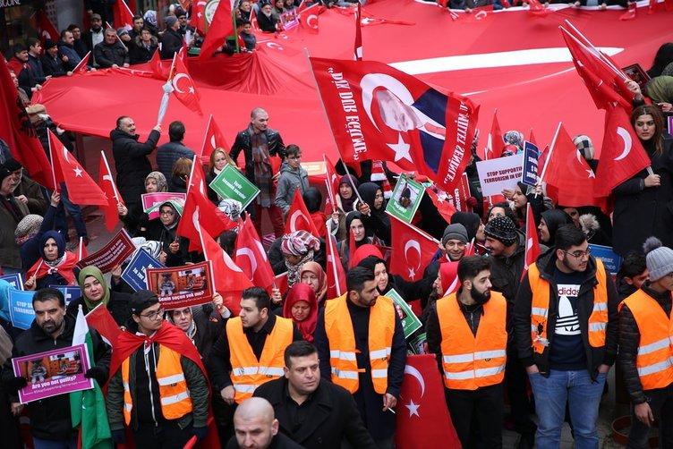 Brüksel'de Teröre Lanet, Demokrasiye Davet gösterisi!