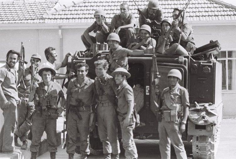 Kıbrıs Barış Harekatı'nın tarihi fotoğrafları