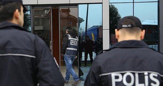 İzmir'de FETÖ operasyonu: 39 gözaltı