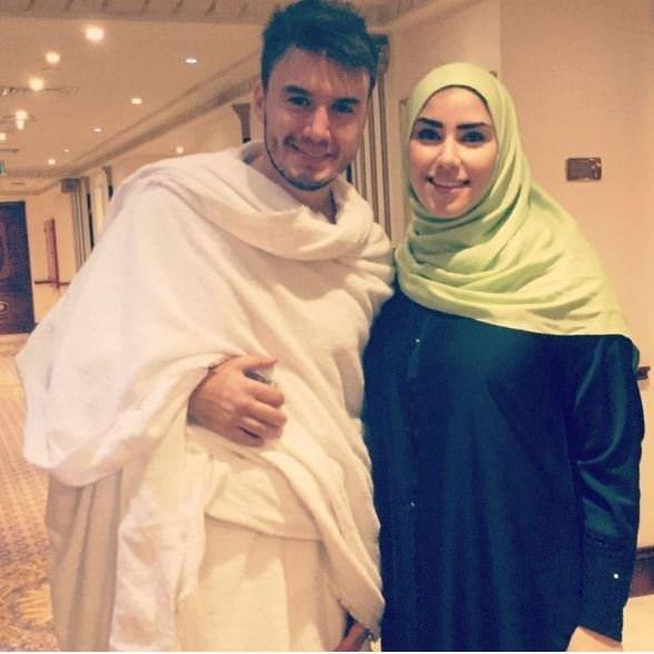 Mustafa Ceceli eşiyle  kutsal toprakları ziyaret etti