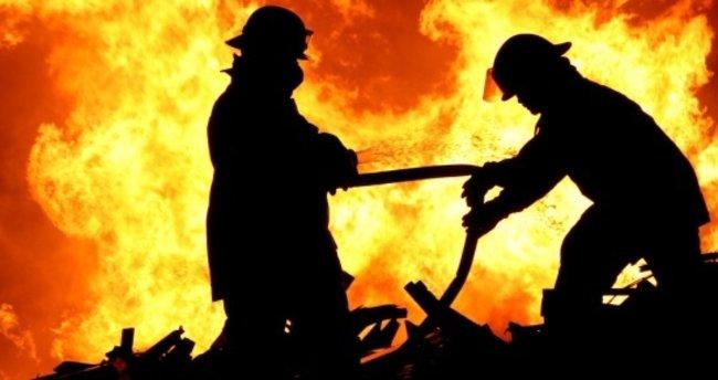 Şişli'de yangına müdahale eden itfaiye erine elektrik çarptı