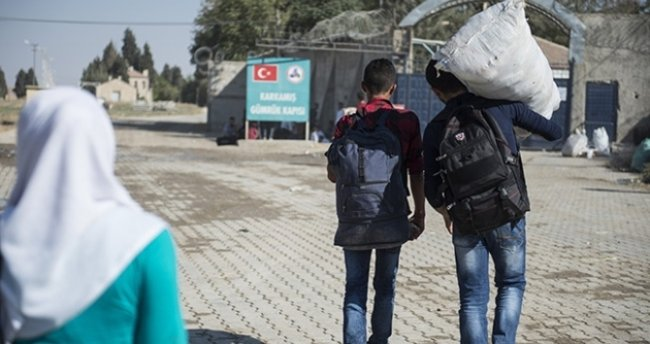 DAEŞ'ten temizlenen Cerablus'a 2 bin 857 Suriyeli döndü