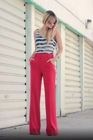 Renkli pantolonlar nasıl kombinlenir