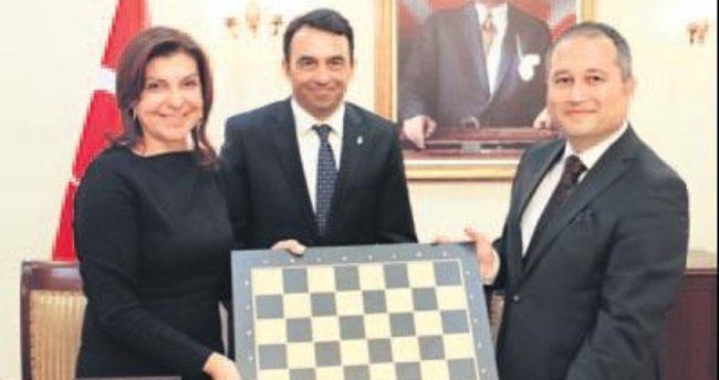 Cezaevlerine satranç sınıfları