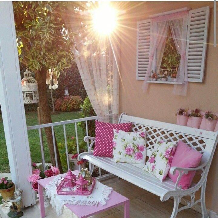 Balkon dekorasyonunda son moda