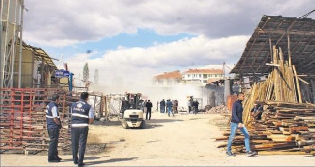 Çubuk Sanayi Sitesi'ndeki yangında hasar 25 bin TL