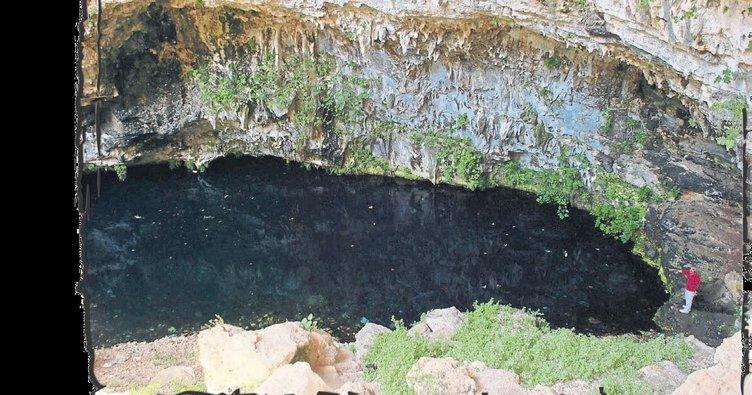 Gizemli mağara