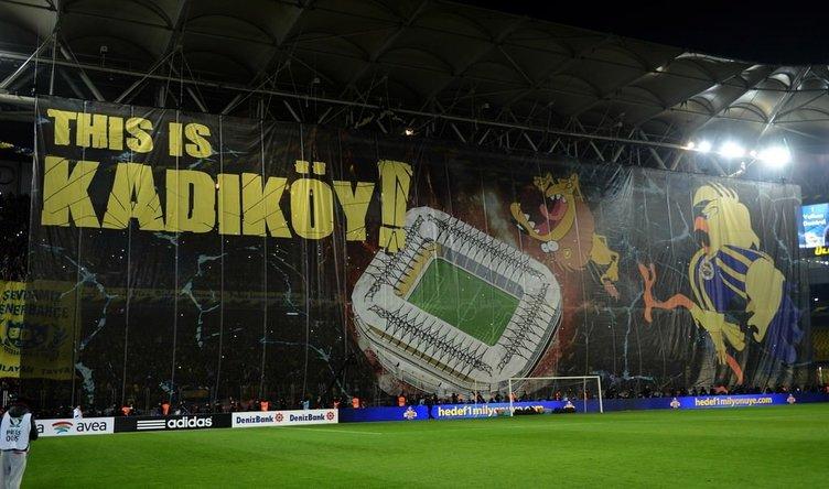 Fenerbahçe - Galatasaray maçında müthiş koreografi