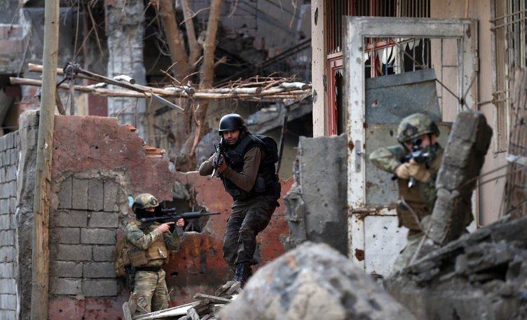 Cizre'de Şehit Jandarma Astsubay Kıdemli Çavuş Burak Demirci operasyonu sürüyor