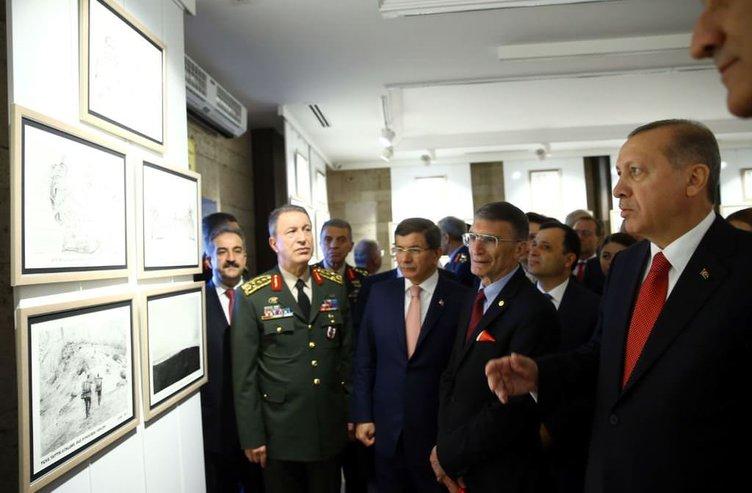Erdoğan ve Davutoğlu Anıtkabir'de Nobel Ödülü Takdim Töreni'nde