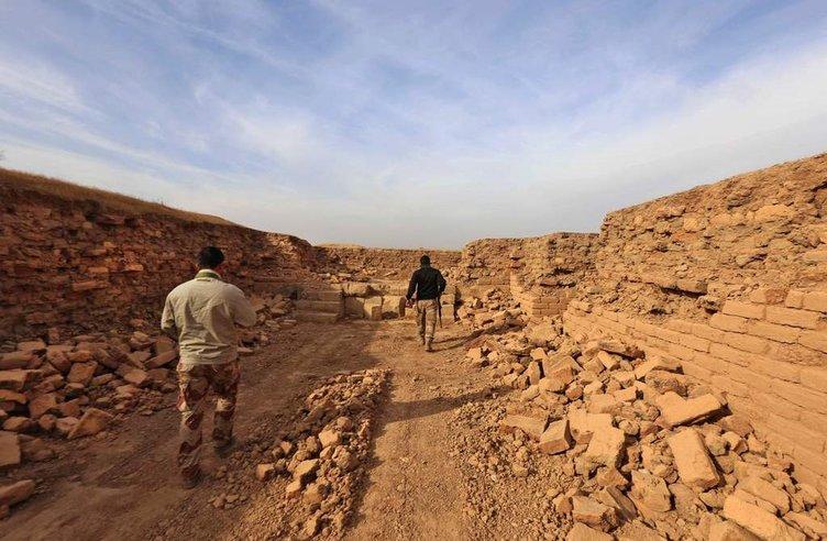DEAŞ antik Nimrud kentini paramparça etmiş!