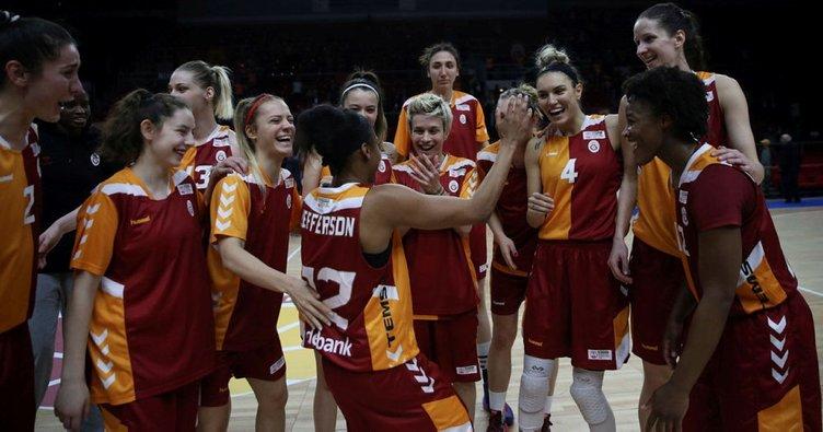 Galatasaray'da Yvonne Anderson şoku