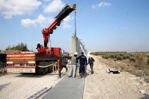 Suriye sınırına beton duvar