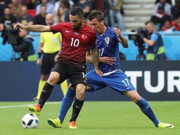 Türkiye - Hırvatistan maçına damgasını vuran skandal olay!